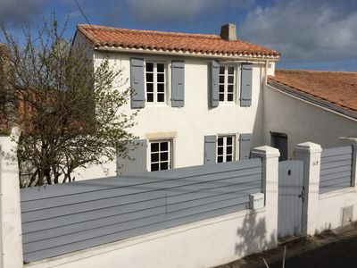 Photo for Charm and comfort in a renovated house rétaise