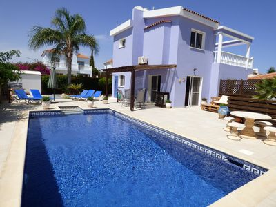 Photo for Beautiful detached villa in large plot, with private pool and mature garden