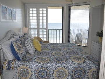 Gorgeous  3 bed/3 bath Condo Steps from the Beach