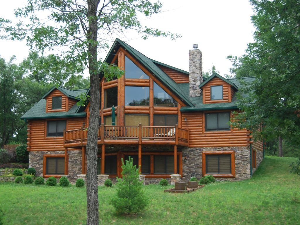 Charmant Luxury Lodge On Castle Rock Lake. Perfect Setting For Your Outdoor Fun.  Mauston Cabin Rental ...