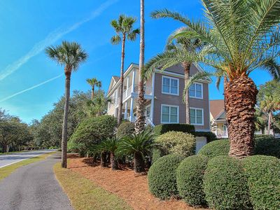 Photo for Back Bay Drive 5827: 4  BR, 2.5  BA House in Isle of Palms, Sleeps 10
