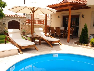 Photo for Luxury villa with private pool and all amenities, quiet location, close to the beach