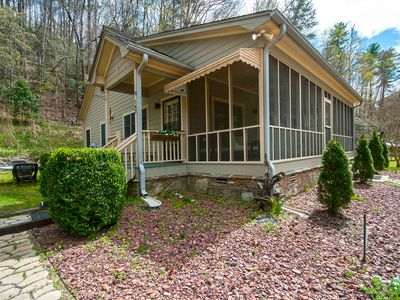 Photo for Beautiful private cottage on Eastatoe River