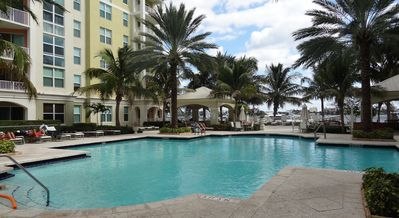 Photo for Elegant 2 Bed Condo South of Palm Beach
