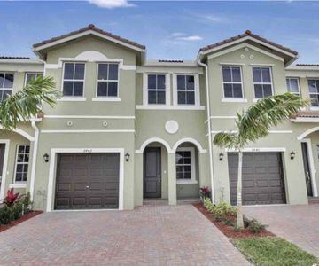Photo for Modern Style 4Br Spacious Townhouse Close To Key West And Nascar Speedway
