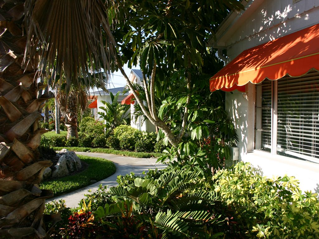 Coconut Cabana 2/1 Cottage, 2 Pools, on Clearwater Beach, sleeps 4 ...