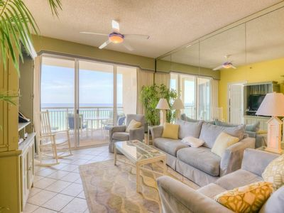 Photo for Beautiful unit, gulf front views, Bicycle rentals included