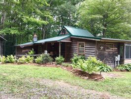 Photo for Cabin Vacation Rental in Tazewell, Virginia