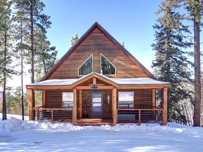 Lookout View Retreat - ski cabin with beautiful views!