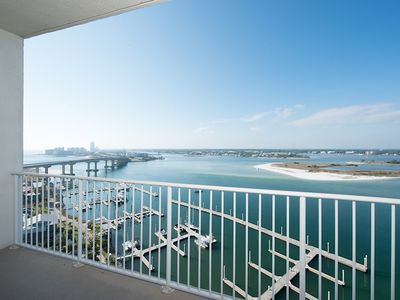 Photo for Fabulous Penthouse Condo with Picturesque View and best amenities!