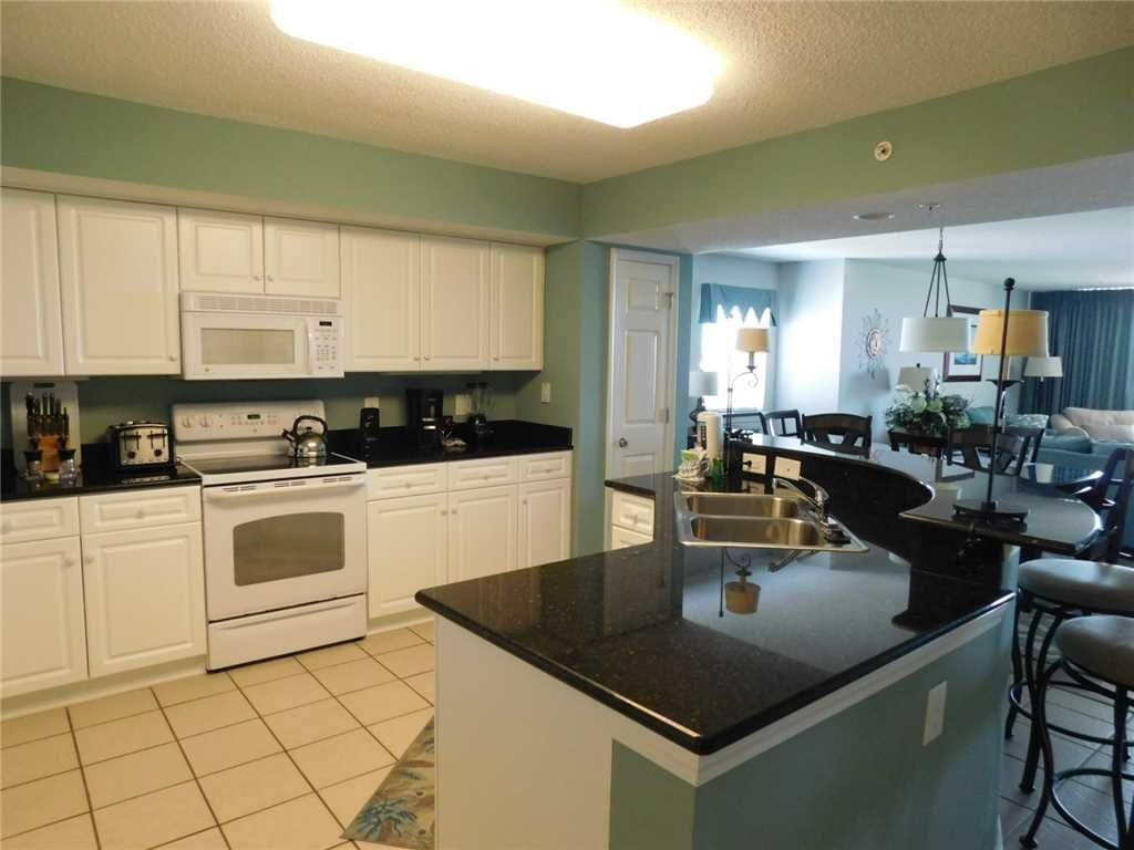 Beautifully Decorated 2BR Located at the Very Popular Yacht Club Villas!