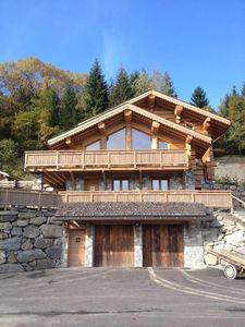 Photo for Luxury apartment in wooden chalet, quiet