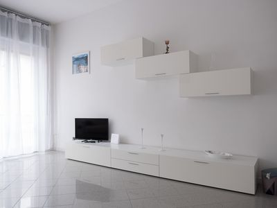 Photo for Apartment furnished in modern style and completely renovated.