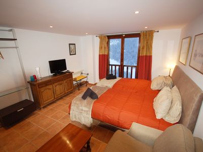 4* Mountain view studio in the centre of Soldeu