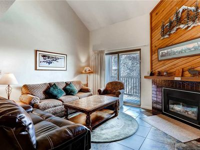 Photo for Large and lofty condo with shared pool, hot tubs, sauna, clubhouse & winter shuttle