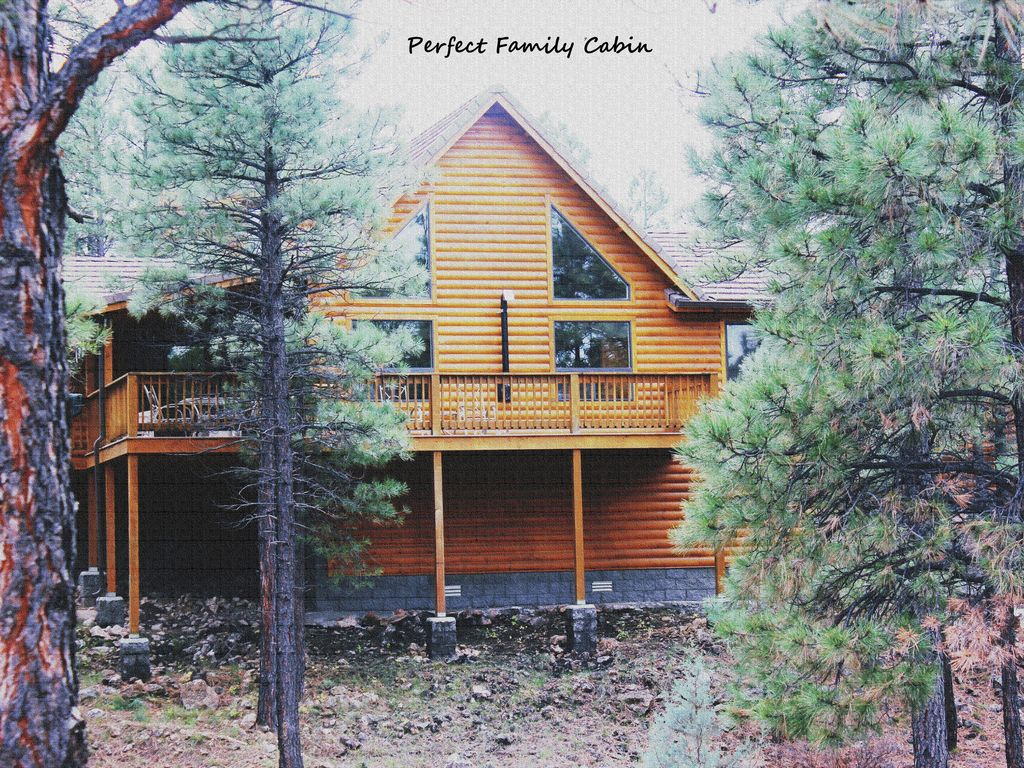 Family cabin 3 bedroom 3 full bath now vrbo for Az cabin rentals with hot tub
