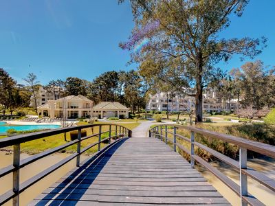 Photo for High-end resort condo w/shared pool, tennis, basketball at Solanas Vacation Club