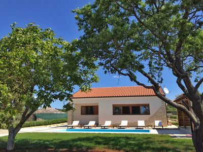 Photo for Country house with pool (from 2020) near Rovinj - only 1 km from the sea