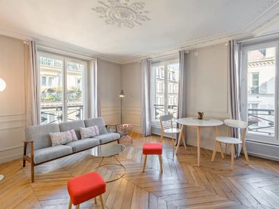Photo for Charming & Luminous 2bd for 3p close to Montmartre