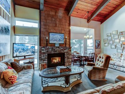 Photo for Spacious Ski/Summer Retreat at Chamonix Townhomes just 300 steps from Cyn Lodge