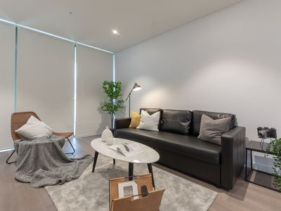 Photo for Amazing Harbour view apt in Heart of Sydney