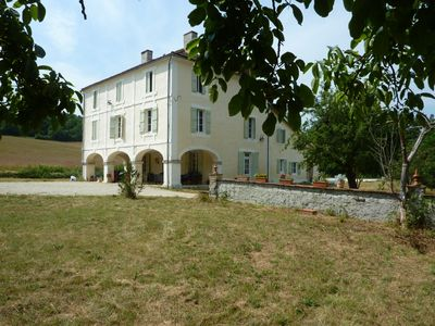 Photo for Magnificent house of 1850 of 265 m2, calm and relaxing with swimming pool.