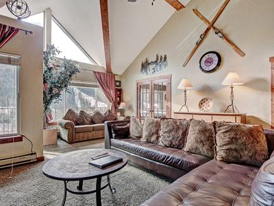 Photo for Luxury Platinum Level Condo in Mountain House Base - Close to the Lifts!