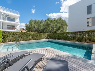 Photo for Air-Conditioned Apartment with Pool, Wi-Fi and Garden