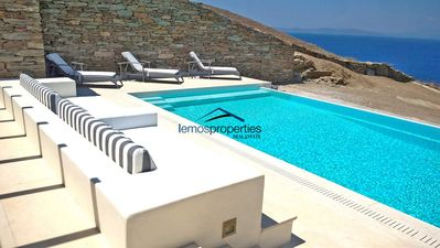 Photo for Fantastic villa with a swimming pool, ideal for families or a group of friends.