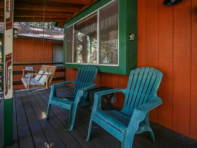 Photo for Moonridge Cottage Ultra Relaxing 2BR Chalet / Hot Tub / Essentials Included