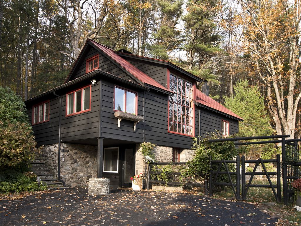 Stone Cottage Inn | Amish Country Guesthouse | Holmes County Ohio