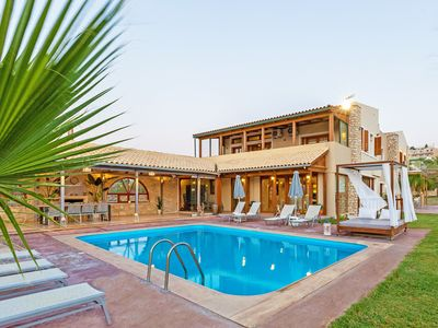 Photo for Unique Luxurious 6 Bedroom Beach Front Villa With Great Views.