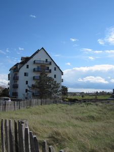 Photo for 2 rooms - balcony with sea view - direct access to the beach - near thalasso