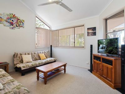 Photo for 3 'Ambleside' 9 Shoal Bay Avenue - air con, WIFI and close to the water and Shoal Bay shops