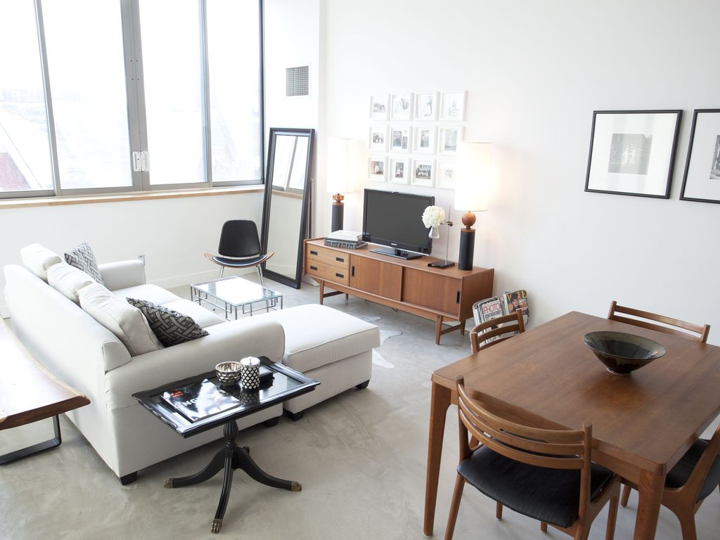 Bright and Hip Downtown Loft