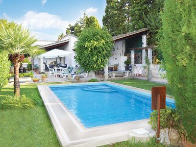 Photo for Well-equipped villa with private pool and shady garden, close to the beach