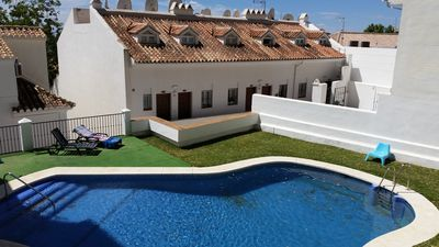Photo for Apartment with air conditioning-wifi-UK TV & Pool