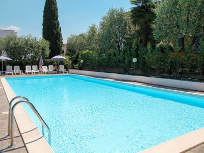 Photo for Apartment Residence Poggio al Lago (SIR105) in Sirmione - 6 persons, 1 bedrooms