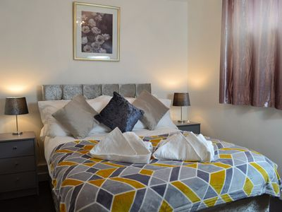 Photo for Serviced Apartment with FREE car park and Bus Stop