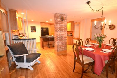 Open Kitchen/Dining Space, perfect for entertaining friends and family!