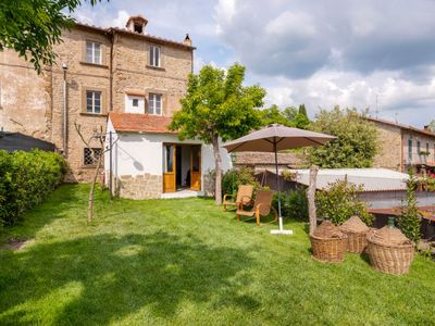 Photo for Vacation home Il Cerito in Cortona - 8 persons, 3 bedrooms