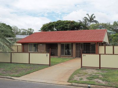 Photo for Comfortable lowset family home only minutes from the water! Tarooki St, Bellara