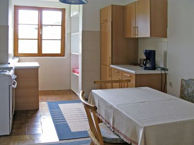 Photo for Cosy apartment for 5 people with TV, balcony and parking
