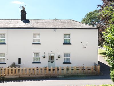 Photo for SHOP COTTAGE, family friendly, with a garden in Goodrich, Ref 964087
