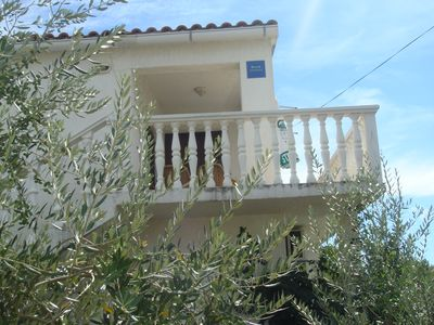 Photo for Apartment   Karmen 30m from the beach for 6 persons in Vrsi-Mulo 20km from Zadar
