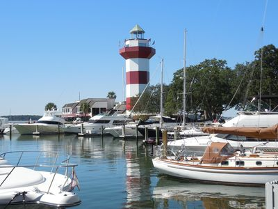 Photo for Deluxe 3 Bedroom Harbour Town Villa - Near Marina