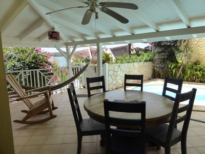Photo for Charming villa F4 + pool in quiet residential beachfront.