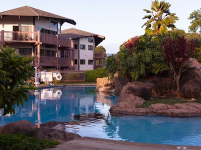 Enjoy this Tropical, Oceanside Resort 1 mile from Queens Bath Tide Pool