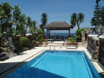 Villa Rindik - Ocean Front - In Town - Large Private Pool - Perfect !