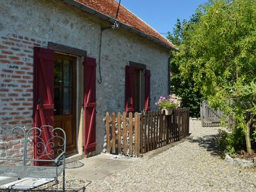Lovely restored cottages.Take part in the french lifestyle, relax & chill.  - Rosier Cottage Sleeps 2 (1 Bedroom)